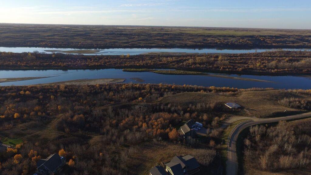 riverfront lots saskatoon